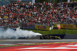 Nico Hulkenberg, Renault Sport F1 Team R.S. 18 retires from the race with a blown engine