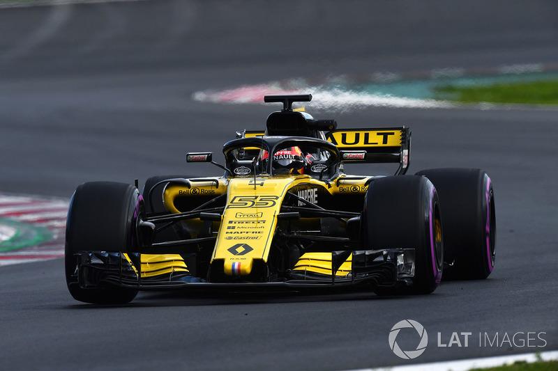 Seguido de Carlos Sainz Jr.