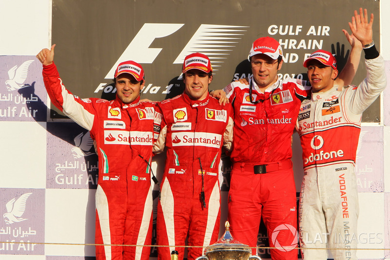 2010. Подіум: 1. Фернандо Алонсо, Ferrari. 2. Феліпе Масса, Ferrari. 3. Льюіс Хемілтон, McLaren