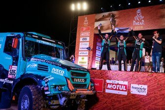 Подіум: Petronas Team De Rooy Iveco: Федеріко Вільягра, Адріано Якопіні, Рікардо Торлаші