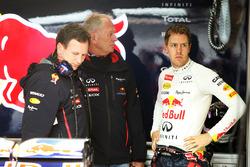 Sebastian Vettel, Red Bull Racing met teambaas Christian Horner, en Dr Helmut Marko