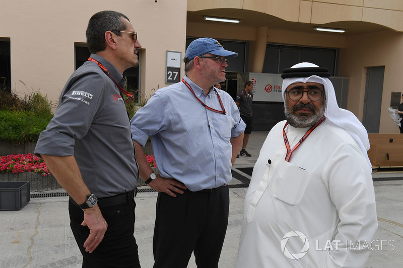Guenther Steiner, Team Prinicipal, Haas F1 Team, Joe Saward, Journalist and Abdallah Al Khalifa, Private Secretary to Crown Prince Shaikh Salman bin Hamad Al Khalifa