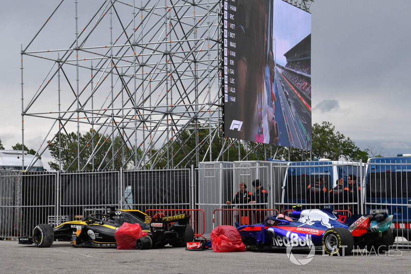 Nico Hulkenberg, Renault Sport F1 Team R.S. 18 és Pierre Gasly, Scuderia Toro Rosso STR13