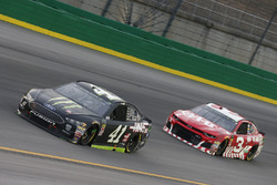 Kurt Busch, Stewart-Haas Racing, Ford Fusion Monster Energy / Haas Automation Austin Dillon, Richard Childress Racing, Chevrolet Camaro AAA