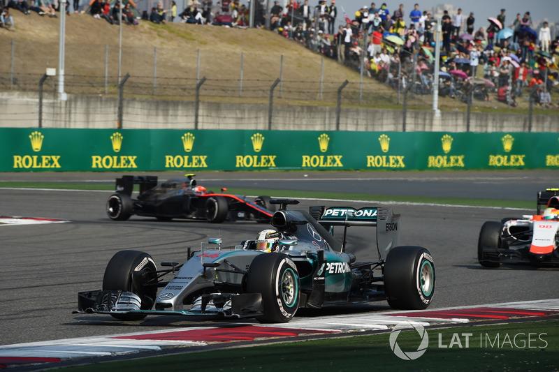 Льюіс Хемілтон, Mercedes AMG F1 W06