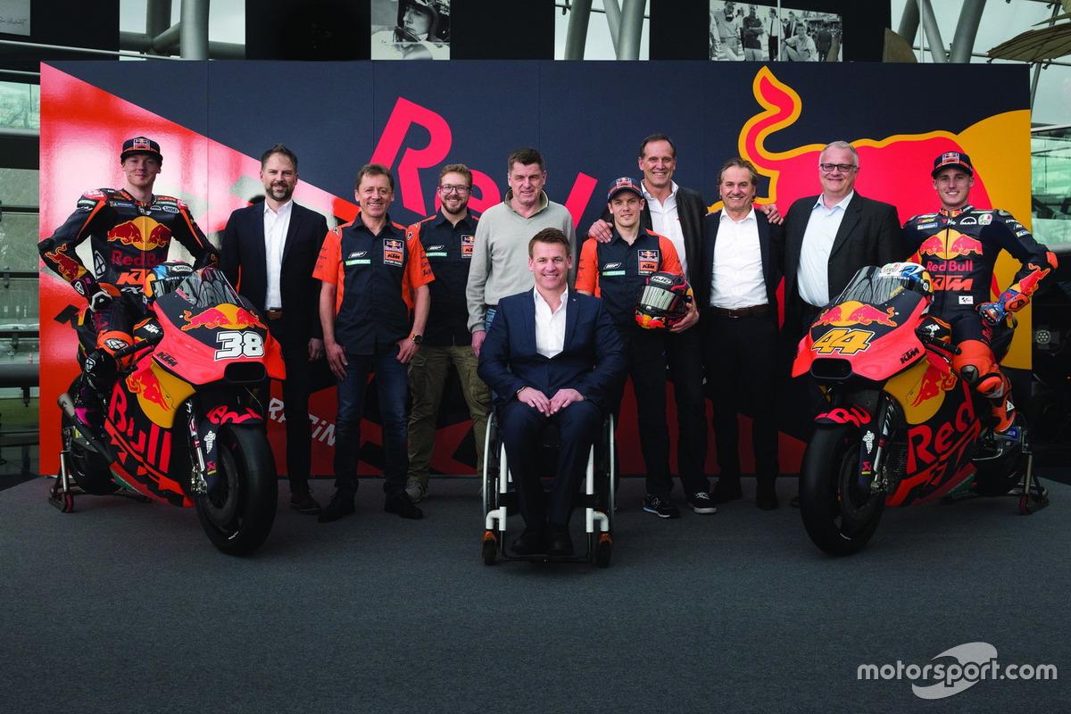 Bradley Smith, Red Bull KTM Factory Racing, Pol Espargaro, Red Bull KTM Factory Racing, Mika Kallio, Red Bull KTM Factory Racing, Pit Beirer, KTM Head of Motorsport, Hubert Trunkenpolz, Members of Board KTM, Mike Leitner, Team manager Red Bull KTM Factory