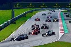Lewis Hamilton, Mercedes-AMG F1 W09 leads at the start of the race