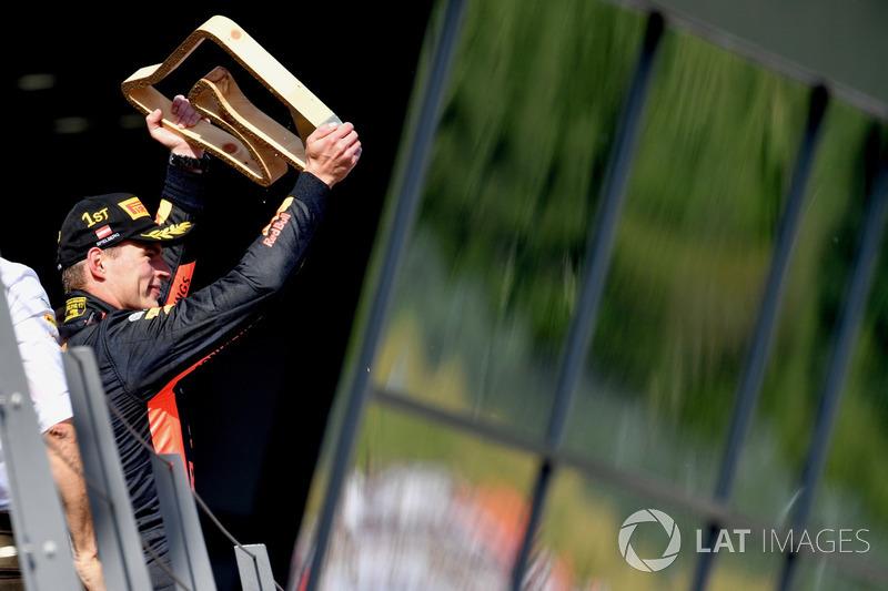 Max Verstappen, Red Bull Racing celebra en el podio