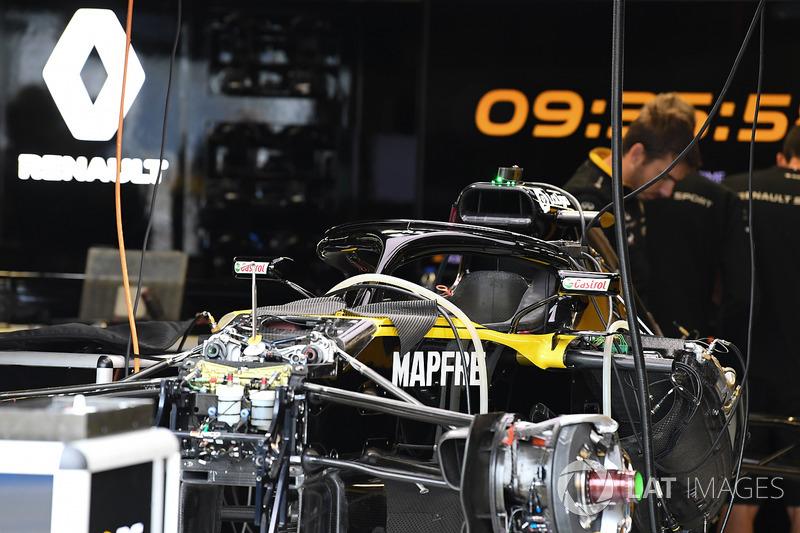 Renault Sport F1 Team R.S. 18 in the garage