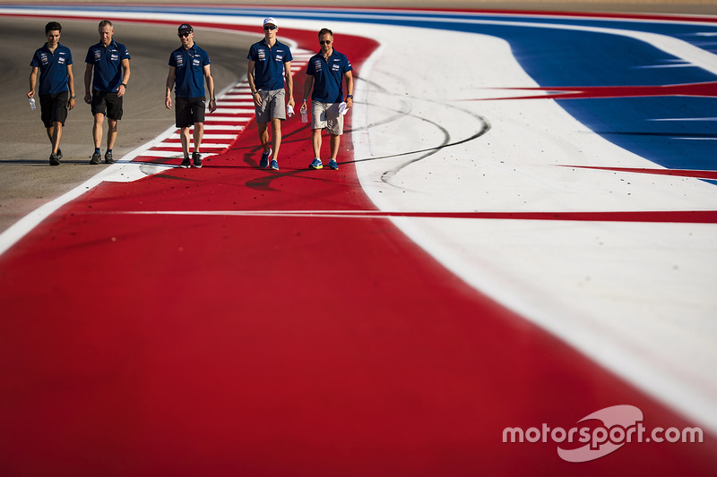 Andy Priaulx, Harry Tincknell, Stefan Mücke, Ford Chip Ganassi Racing Team walking the track