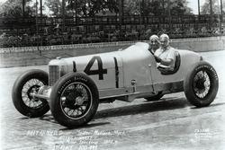 Race winner Billy Arnold