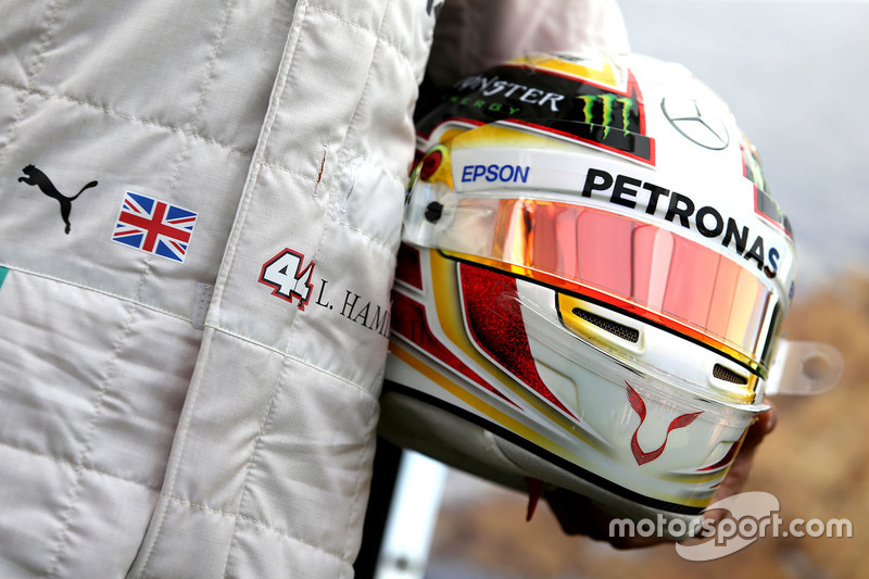 Helm von Lewis Hamilton, Mercedes AMG F1 Team