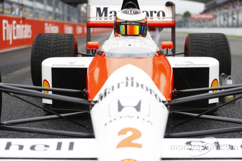 ستوفيل فاندورن، سائق الإختبارات بمكلارين هوندا يقود سيارة مكلارين إم بي4-5 الخاصه بألان بروست