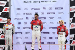 Podio: vincitore Alex Yoong, Audi TEDA Racing Team, secondo posto Edoardo Mortara, Audi Hong Kong, terzo posto Rahel Frey, Castrol Racing Team
