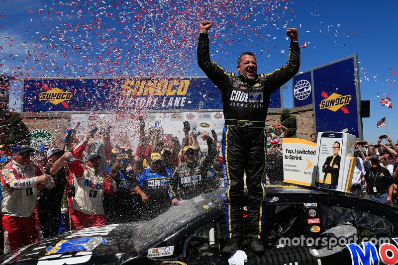 2016, Sonoma: Tony Stewart (Stewart/Haas-Chevrolet)