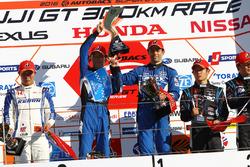 Podium: winners #12 Team Impul Nissan GT-R Nismo GT3: Hironobu Yasuda, Joao Paulo de Oliveira