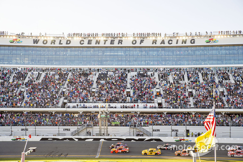 Denny Hamlin, Joe Gibbs Racing Toyota beats Martin Truex Jr., Furniture Row Racing Toyota to the checkered flag