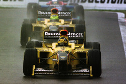 Damon Hill, Jordan 198 Mugen-Honda; Ralf Schumacher, Jordan 198 Mugen-Honda; Jean Alesi, Sauber C17-Petronas