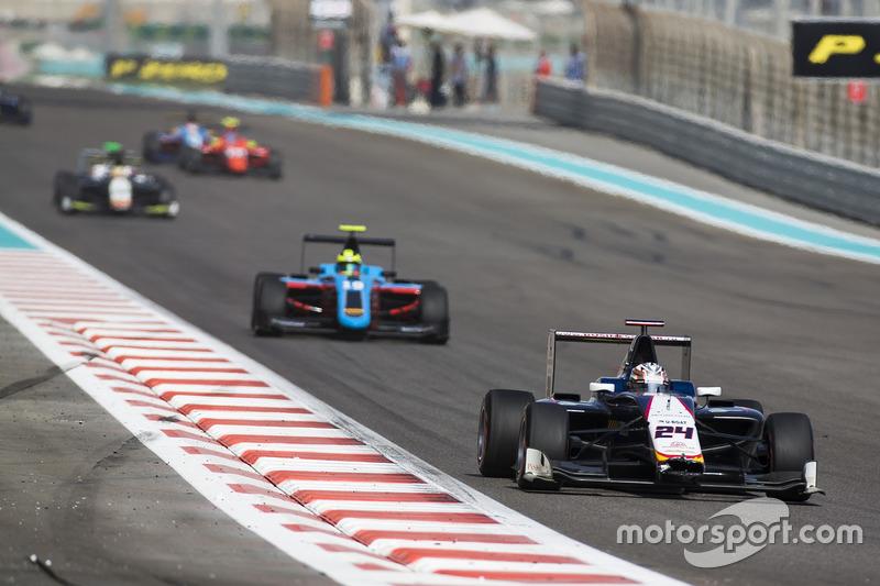 Konstantin Tereschenko, Campos Racing leads Alessio Lorandi, Jenzer Motorsport