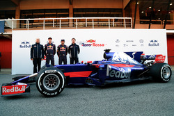 Franz Tost, Daniil Kvyat, Carlos Sainz Jr. James Key, mit dem Toro Rosso STR12