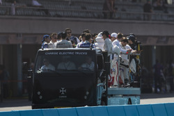 Charge truck, parade lap