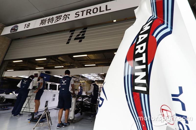 Bodywork from the Lance Stroll Williams FW40