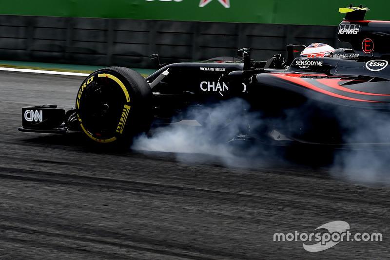 16. Jenson Button, McLaren MP4-31