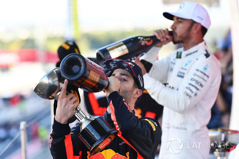 Daniel Ricciardo, Red Bull Racing y Lewis Hamilton, Mercedes AMG F1