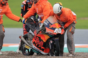 Darryn Binder, Red Bull KTM Ajo, después de la caída
