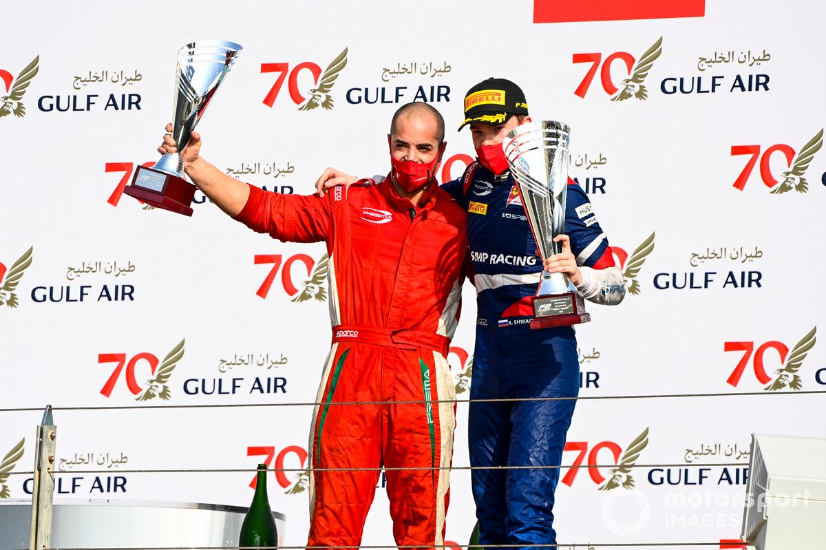 Winning Constructor Representative and Race Winner Robert Shwartzman, Prema Racing celebrate on the podium with the trophy