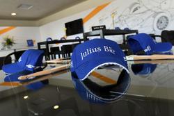 Chapeaux Julius Baer Bank
