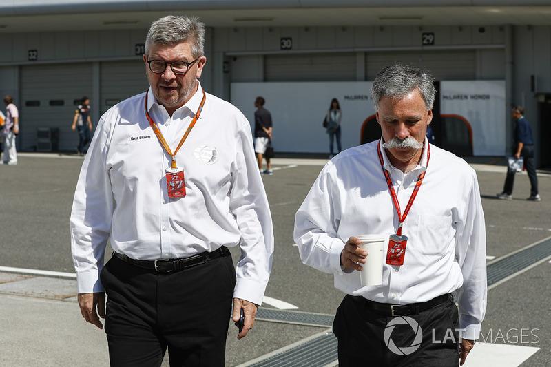 Ross Brawn y Chase Carey, F1