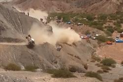 Crash: #304 Team Peugeot Sport, Peugeot 3008 DKR: Carlos Sainz, Lucas Cruz