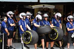 Sahara Force India mechaincs and Pirelli tyres