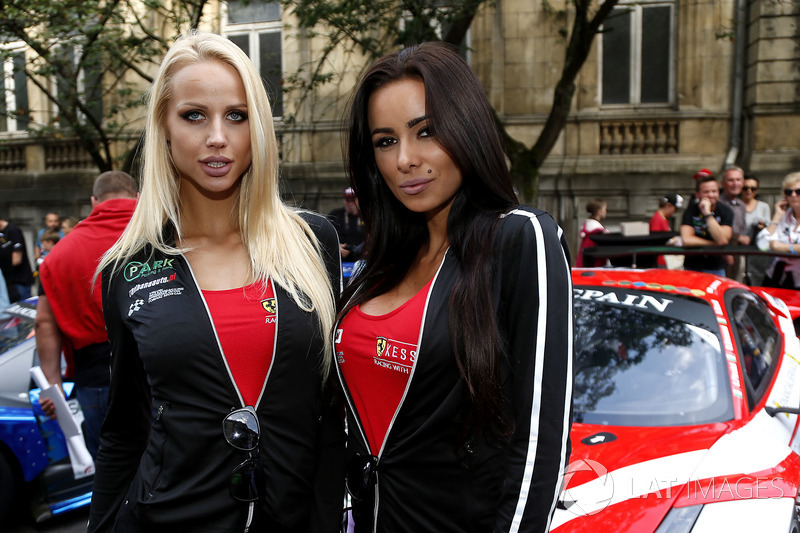 Chicas Kessel racing