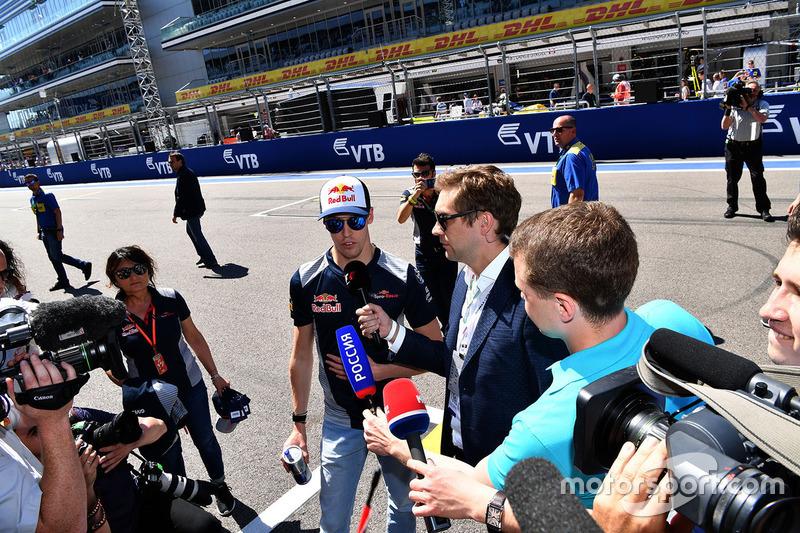 Vitaly Petrov, Daniil Kvyat, Scuderia Toro Rosso