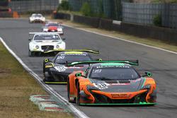 #58 Strakka Racing McLaren 650S GT3: Alvaro Parente, Ben Barnicoat