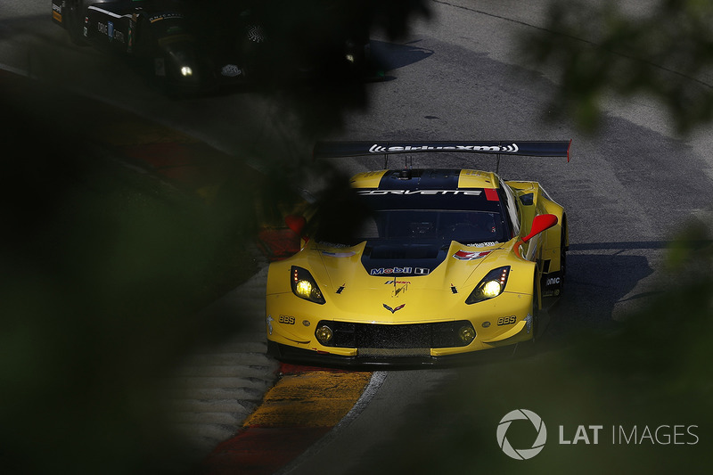 #4 Corvette Racing Chevrolet Corvette C7.R: Олівер Гавін, Томмі Мілнер