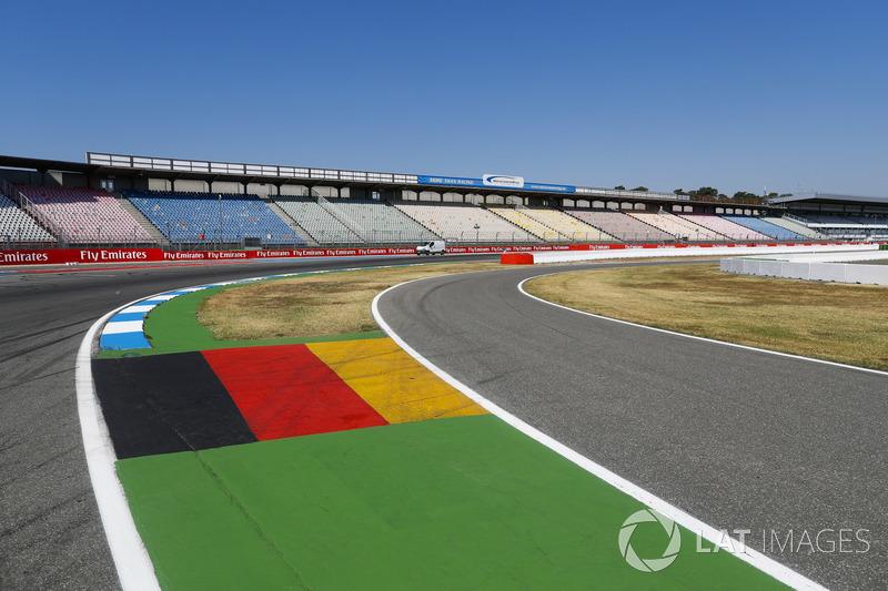 Detalle de la última curva y entrada al pitlane del circuito de Hockenheim