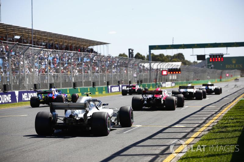 Sergey Sirotkin, Williams FW41 Mercedes, Charles Leclerc, Sauber C37 Ferrari, Romain Grosjean, Haas F1 Team VF-18 Ferrari, Marcus Ericsson, Sauber C37 Ferrari, Brendon Hartley, Toro Rosso STR13 Honda and Valtteri Bottas, Mercedes AMG F1 W09, line up on the