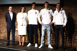 Paddy Lowe, Claire Williams, Lance Stroll, Sergey Sirotkin ve Robert Kubica, Williams FW41 lansman