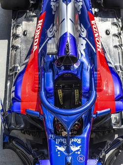 Кокпит Scuderia Toro Rosso STR13