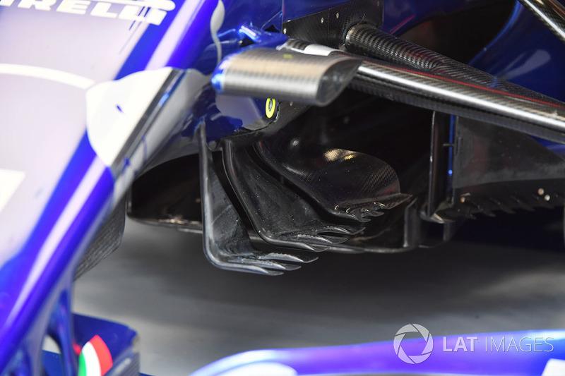 Detalle aerodinámico del Scuderia Toro Rosso STR13