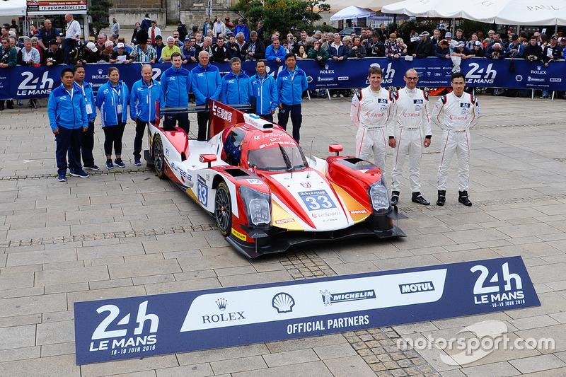 #33 Eurasia Motorsport Oreca 05 Nissan: Джун Джин Пу, Нік де Брюйн, Трістан Гомманді