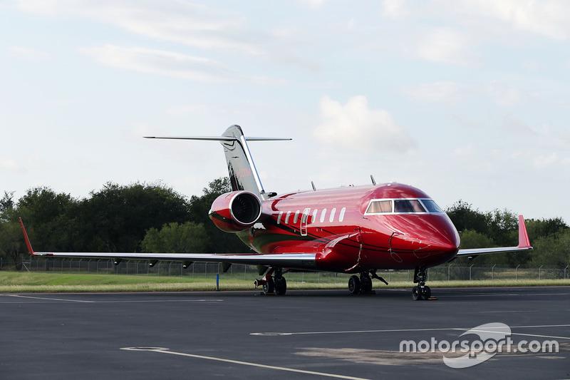 El avión del piloto de Mercedes