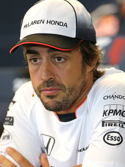 Фернандо Алонсо, McLaren Honda на пресс-конференции FIA