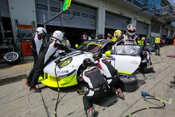 Earl Bamber, Nick Tandy, Manthey Racing, Porsche 911 GT3 R