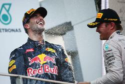 Podium: Sieger Daniel Ricciardo, Red Bull Racing; 3. Nico Rosberg, Mercedes AMG F1