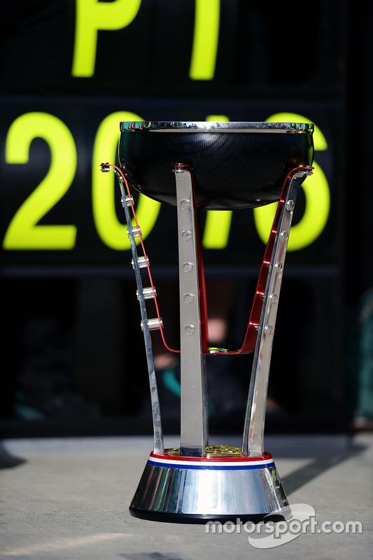 Le trophée de la victoire pour Mercedes AMG F1