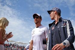 Дженсон Баттон, McLaren, и Даниил Квят, Scuderia Toro Rosso